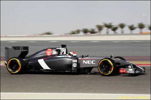 Адриан Сутил на тестах в Бахрейне