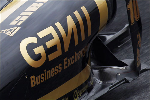 Передний выхлоп на Lotus Renault R31