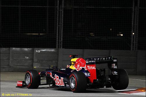 Себастьян Феттель на трассе Гран При Сингапура, 2012 год