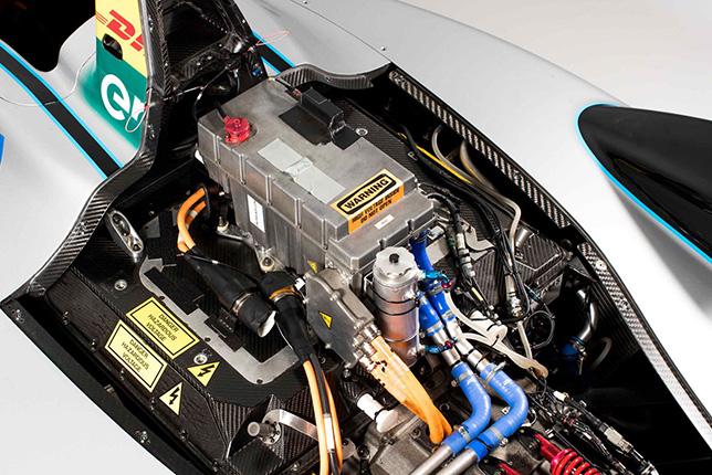 БМВ стала производителем моторов для Формулы Е