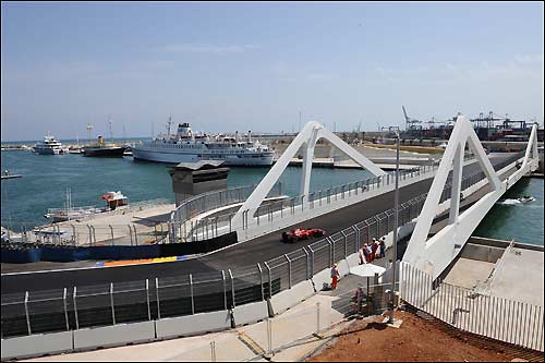 Ferrari на трассе в Валенсии