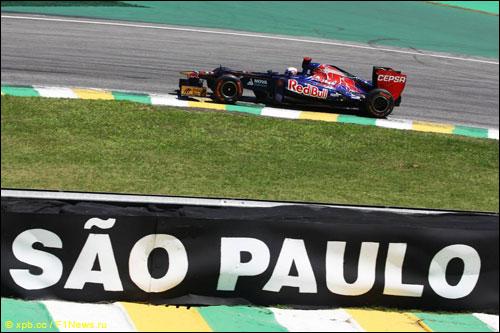 Даниэль Риккардо на прошлогоднем Гран При Бразилии