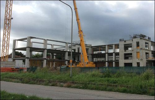 Строительство нового корпуса базы Toro Rosso
