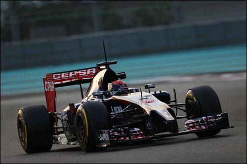 Макс Ферстаппен на тестах в Абу-Даби