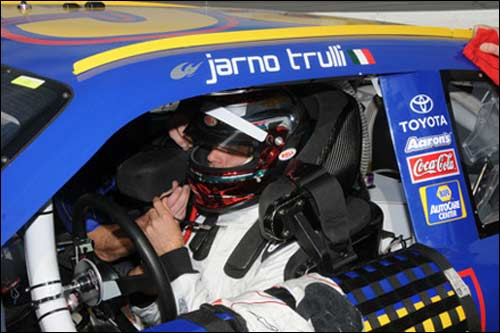 Ярно Трулли за рулем машины NASCAR, 2009 год