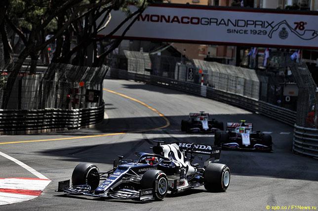 Юки Цунода на трассе Гран При Монако