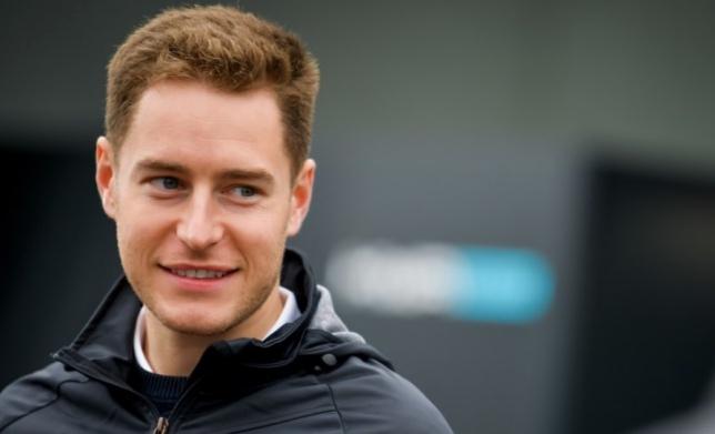 Формула E: Вандорн выиграл поул в Гонконге