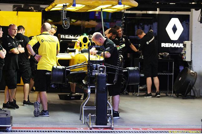Боксы Renault на Гран При Азербайджана