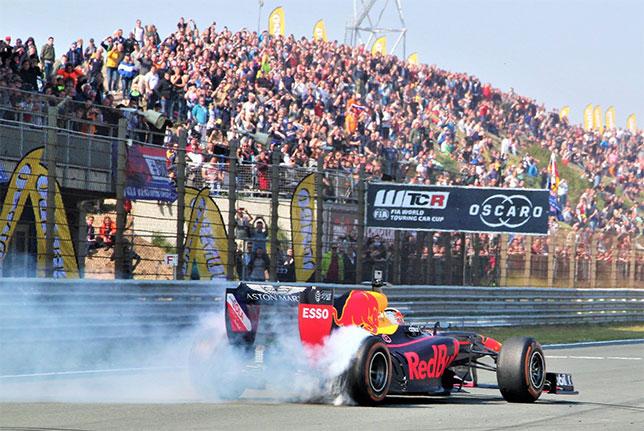 Макс Ферстаппен на трассе в Зандфорте во время Jumbo Racing Days