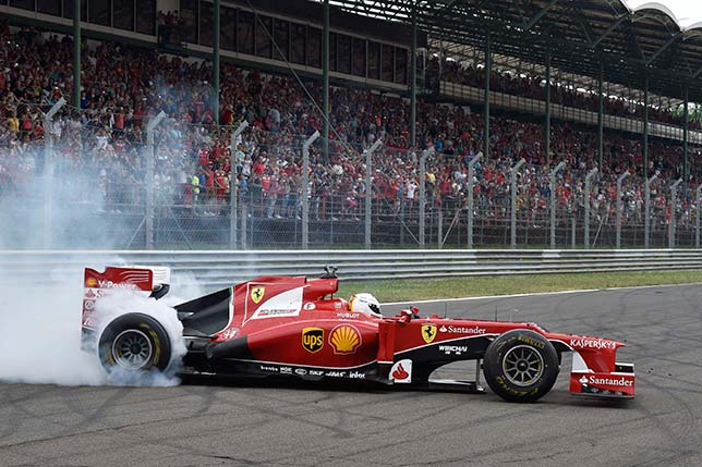 Себастьян Феттель за рулём Ferrari F2012 на Хунгароринге