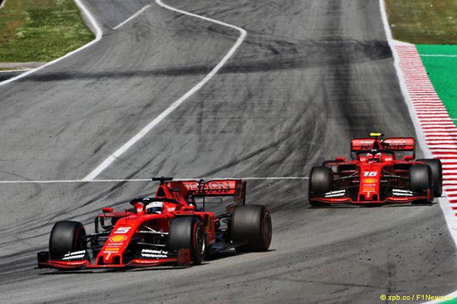 Гонщики Ferrari на трассе Гран При Испании