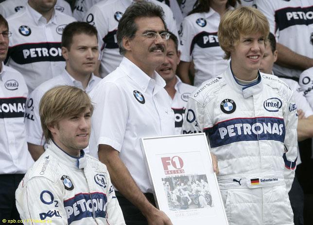На фото 2006 года юный Себастьян Феттель, а Андреас Зайдль – слева позади Марио Тайссена, тогдашнего руководителя BMW Motorsport