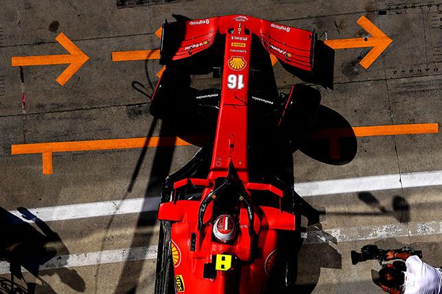 Шарль Леклер за рулём Ferrari SF1000, фото пресс-службы Ferrari