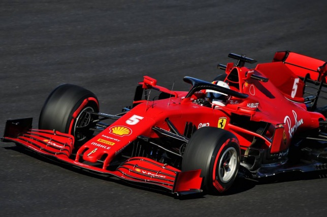 Себастьян Феттель за рулём Ferrari SF1000