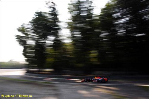 Себастьян Феттель на трассе Гран При Италии