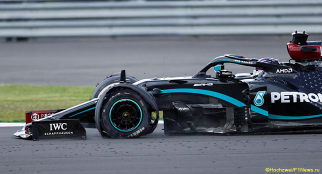 Льюис Хэмилтон дотянул до финиша Гран При Великобритании на трёх колёсах