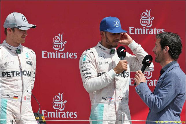 Марк Уэббер с гонщиками Mercedes
