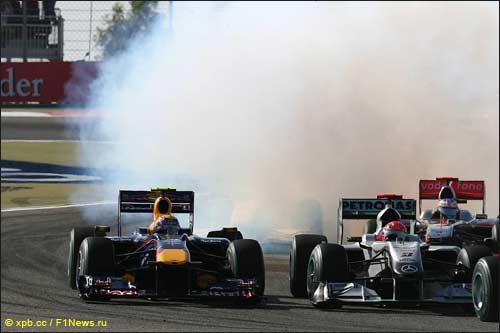 Проблемы с мотором в дебюте гонки сдержали Марка Уэббера