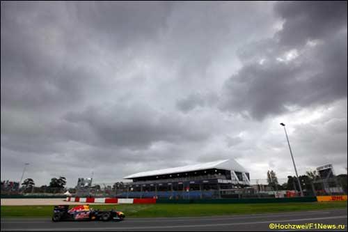 Себастьян Феттель на трассе Гран При Австралии
