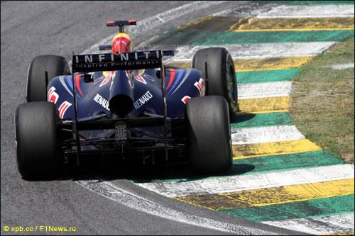 Марк Уэббер на трассе Гран При Бразилии