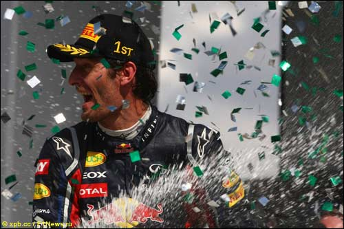 Марк Уэббер на подиуме Гран При Бразилии