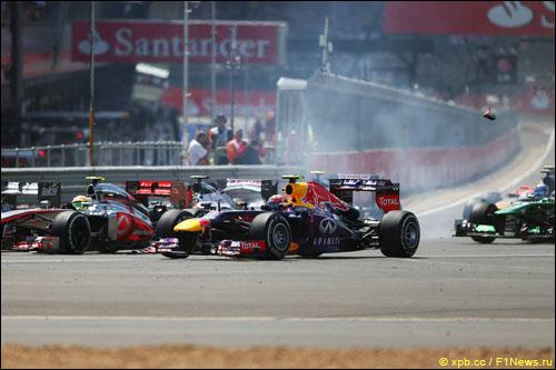 Марк Уэббер на старте Гран При Великобритании