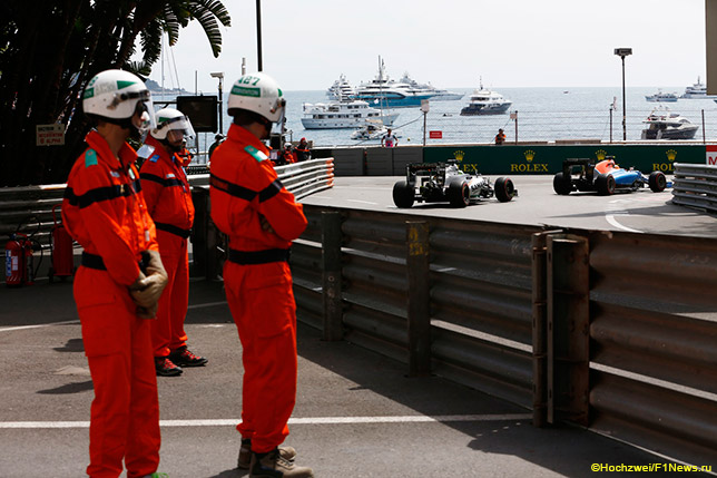 Нико Хюлкенберг и Рио Харьянто на трассе в Монако