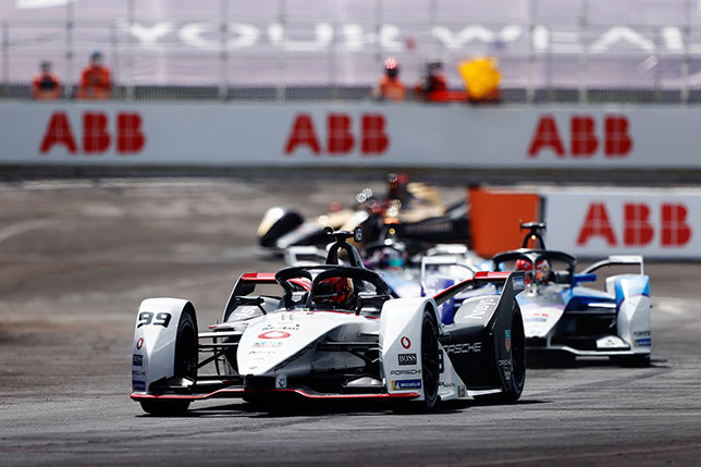 Паскаль Верляйн лидировал в Пуэбле от старта до финиша, но был дисквалифицирован, фото Формулы E
