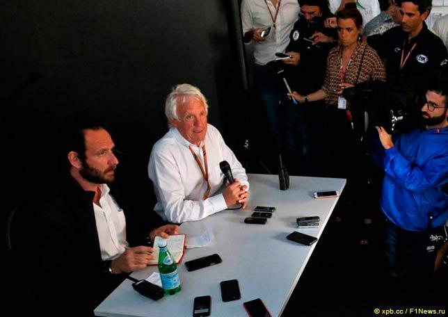 Чарли Уайтинг на встрече с журналисами