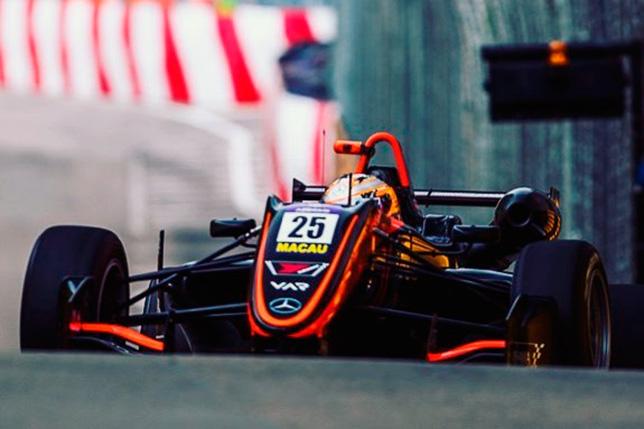 FIA изучает роль жёлтых сигналов в аварии Флёрш в Макао