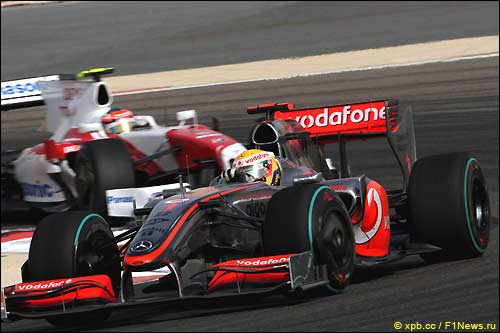 Гран При Бахрейна. Льюис Хэмилтон и Тимо Глок