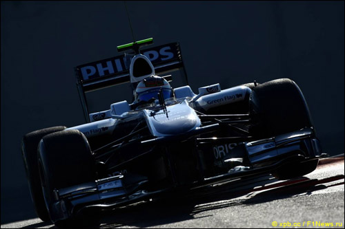 Рубенс Баррикелло за рулём Williams FW32