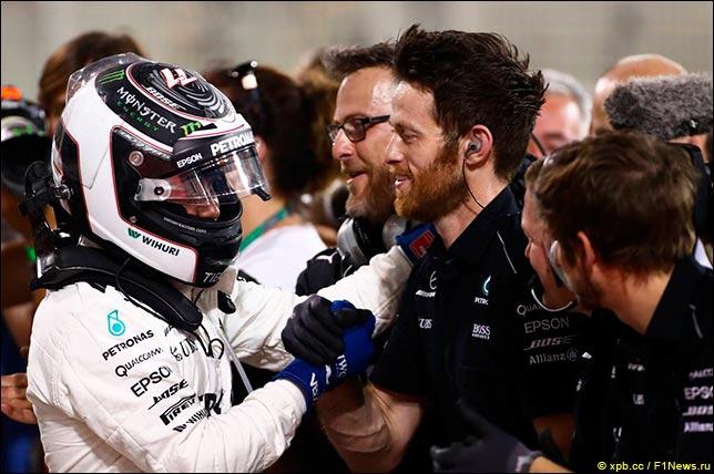 Боттас впервый раз  вкарьере одержал победу  квалификацию «Формулы-1»