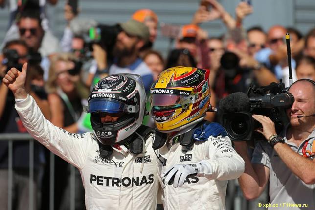 Гран При Италии. Гонщики Mercedes празднуют победный дубль