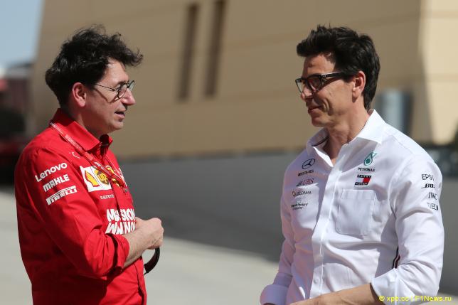 Гран При Бахрейна. Тото Вольфф (справа) и Маттиа Бинотто