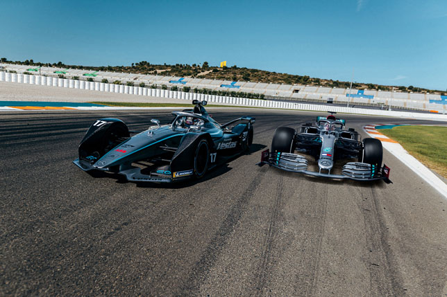 Машины Mercedes в Формуле 1 и Формуле E