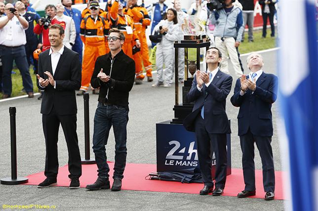 Алекс Вурц (слева) и Жан Тодт (крайний справа) на церемонии открытия гонки в Ле-Мане, 2016 год